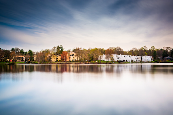 Long exposure of waterfront homes at Wilde Lake, in Columbia, Maryland.