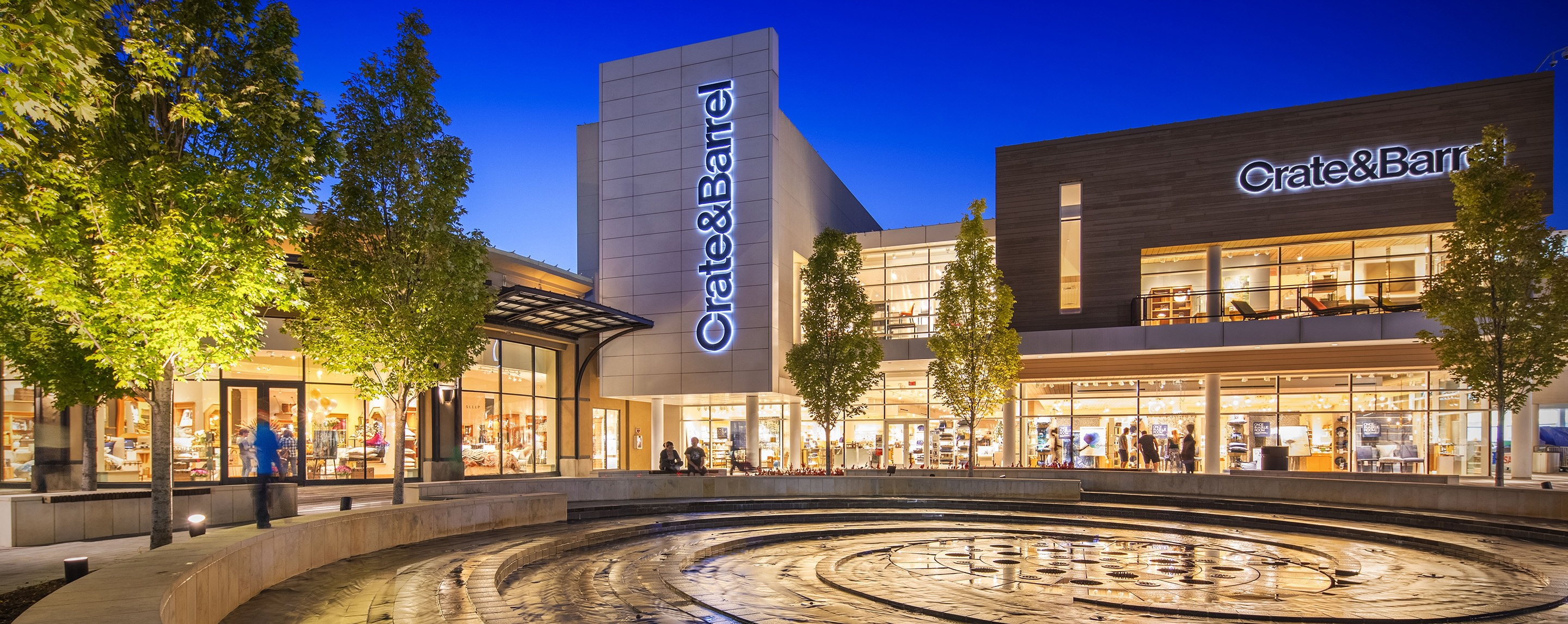Outside the Oakbrook Center Crate & Barrel, a fountain is a good resting spot for shoppers.