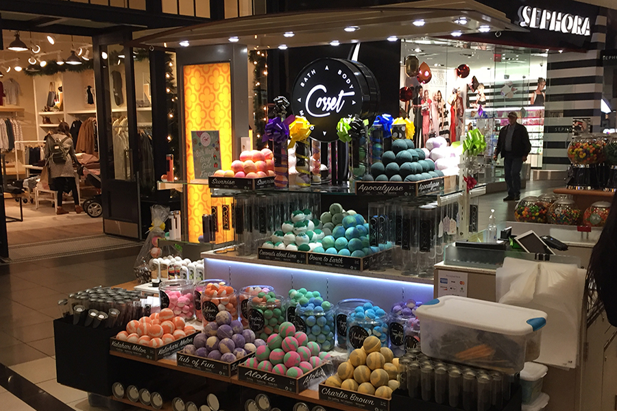 Bath bombs sold at mall pop-up fixture