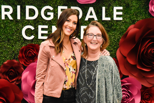 Becca Kufrin and mom pose at Ridgedale Center